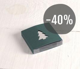 Boîte verte avec sapin