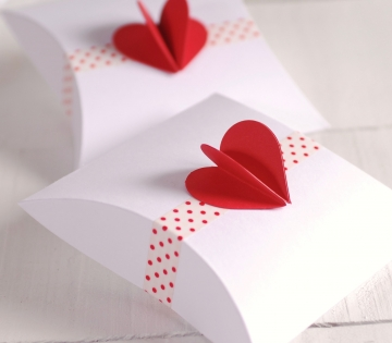 Boîte de Saint Valentin avec cœur 3D