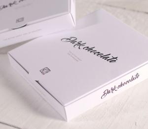 Boîte avec un Logotype pour les Entreprises