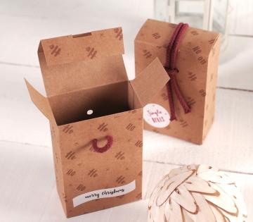 Petite boîte de noël avec ficelle