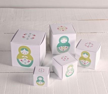 Kit de boîtes imprimées. Matriochkas