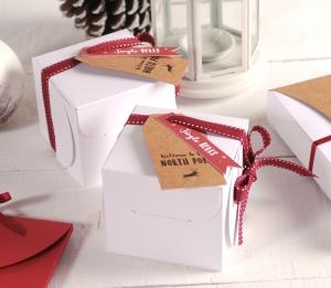 Boîte cadeau carrée pour Noël