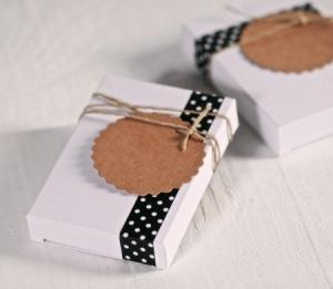 Boîtes à cigarettes pour détails de mariage