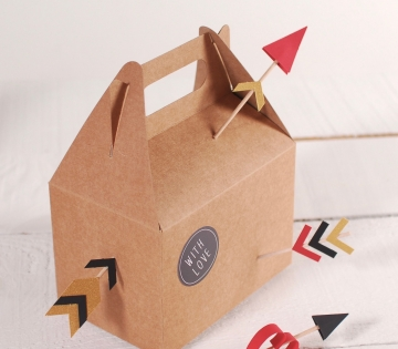 Boîte de pique-nique avec beaucoup d'amour