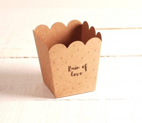 Boîte pour des pétales ou du riz