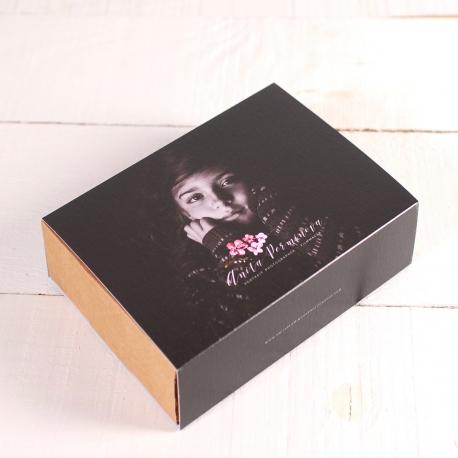 Boîte avec bandeau personnalisé avec photos