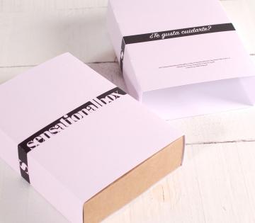 Boîte avec bandeau minimal