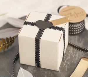 Petite boîte carrée élégante
