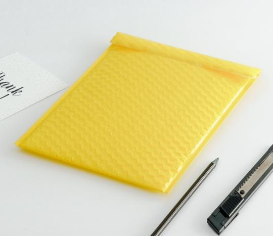 Enveloppes postales brillantes