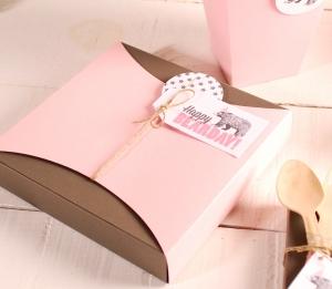 Idée amusante boîte cadeau plate