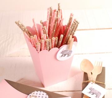 Décoration boîte à crayons avec accessoires
