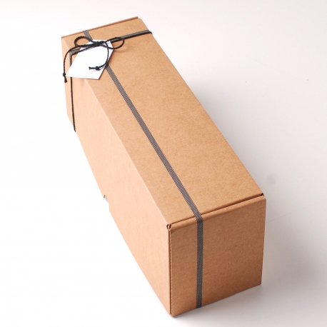 Décoration simple boîte à vin allongée