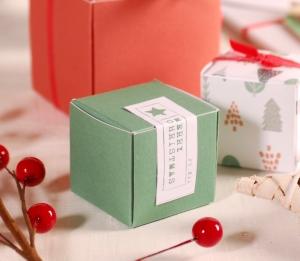 Décoration de Noël facile boîte carrée