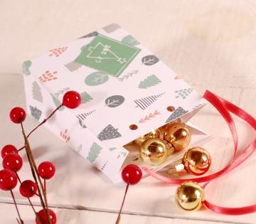 Décoration petite boîte enveloppe haute de Noël