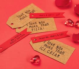 Étiquettes à messages rouges et kraft