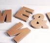 Lettres majuscules en carton