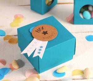 Boîte en carton avec couvercle pour dragées