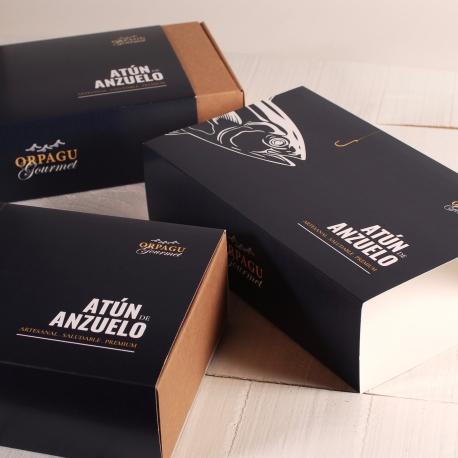 Boîte avec ruban personnalisée