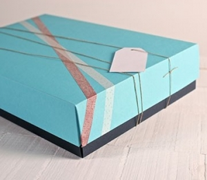 Boîtes bicolores pour les magasins