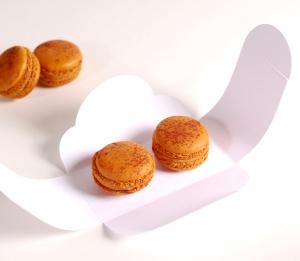 Boîte décorée pour deux macarons