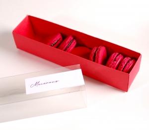 Boîte allongée et décorée pour macarons