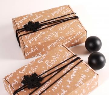 Boîte rectangulaire pour l'expédition de Noël