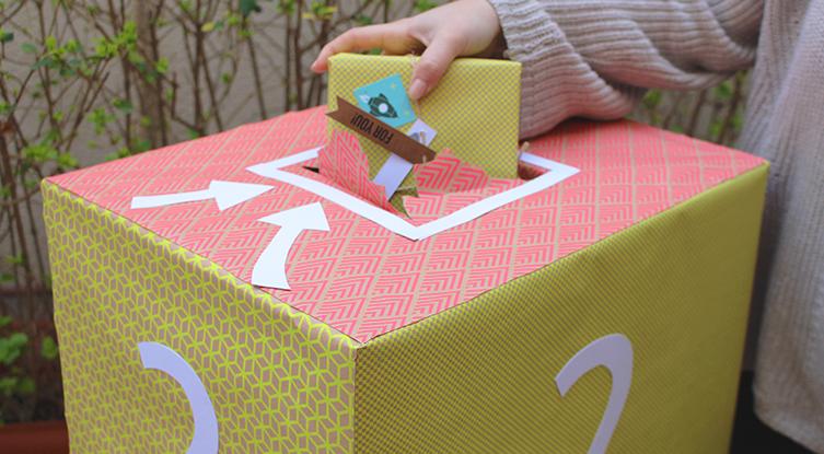 Comment fabriquer une bo te surprise selfpackaging blog - Cajas de carton decoradas baratas ...